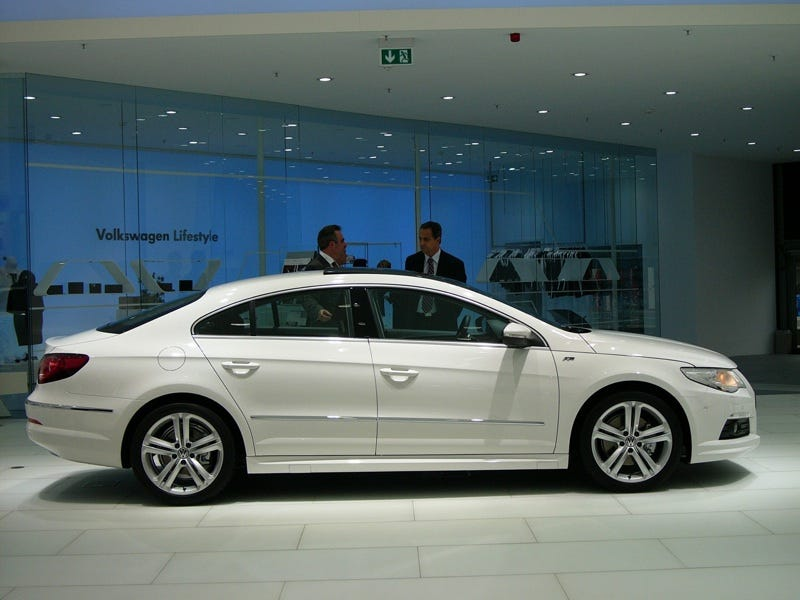 Illustration for article titled VW Passat CC R-Line: An Audi A4 S-Line For The People