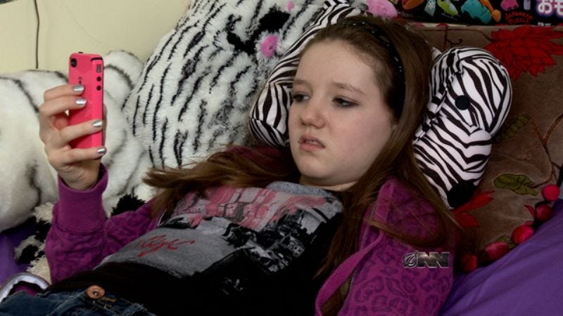 Brain-Dead Teen, Only Capable Of Rolling Eyes And Texting, To Be Euthanized-2322
