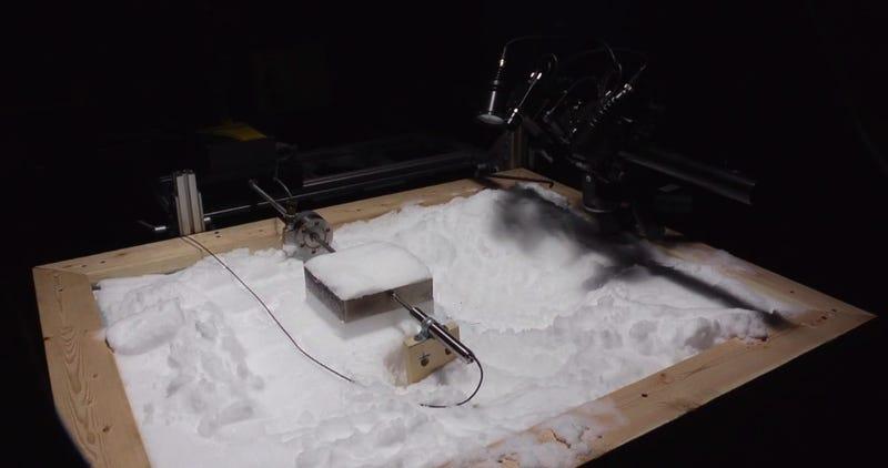 Illustration for article titled Científicos recrean en un laboratoriocómo se originan las avalanchas