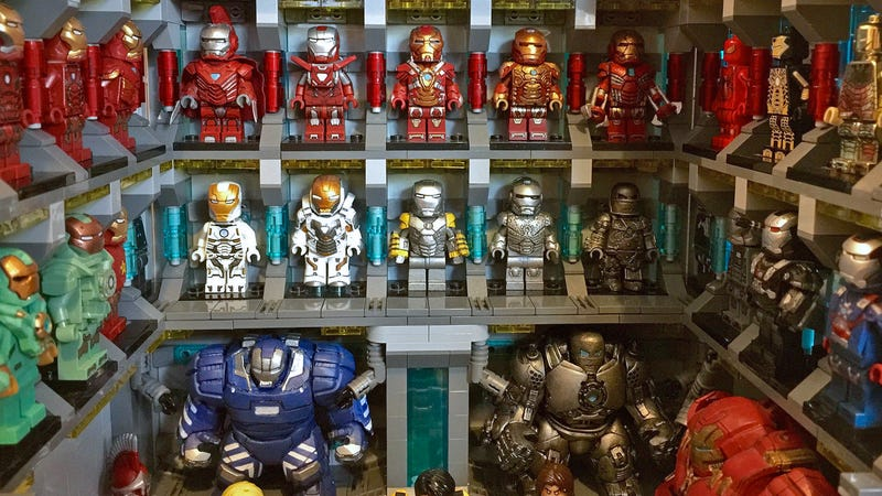 Talented Lego Customizer Recreates Iron Man\'s Vast Suit Collection ...