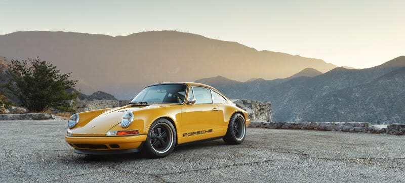 Illustration for article titled Drool All Over Yourselves At This Fantastically Orange 911 Reimagined By Singer
