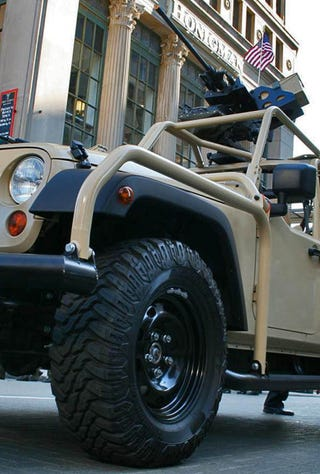 Illustration for article titled Jeep J8's Invade Detroit Veterans Day Parade