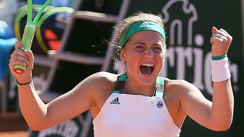 Halep into women's singles final at Roland Garros, faces Ostapenko next