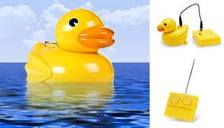 Illustration for article titled Rubber Duck With Remote Control: Bathtime Gets More Fun