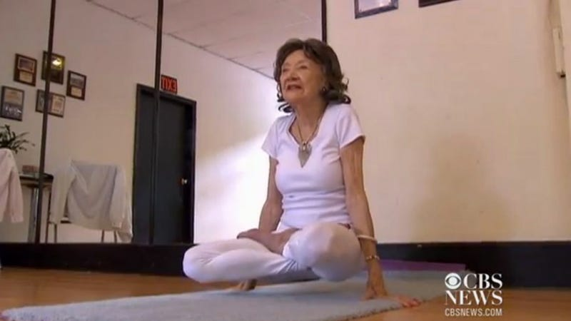 Illustration for article titled World's Oldest Yoga Teacher Might Also Be World's Happiest Person