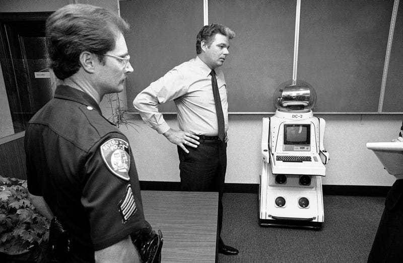 Illustration for article titled Was This The First Robot Ever Arrested?