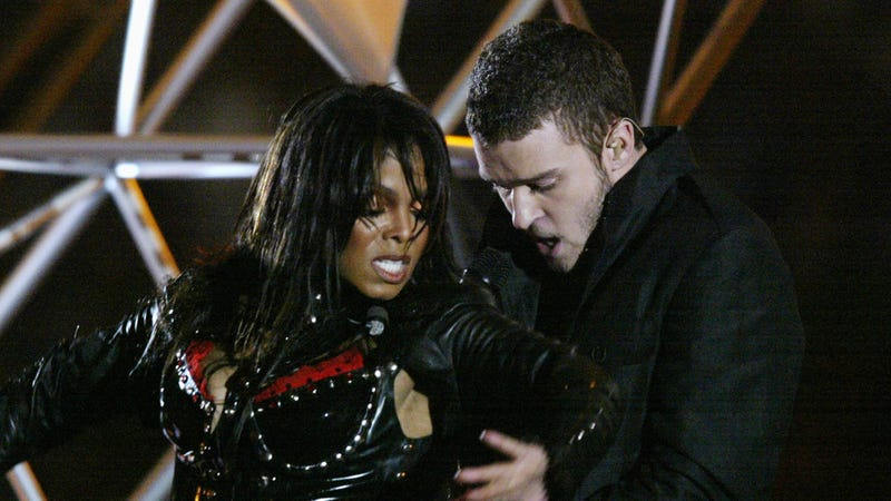 Illustration for article titled Les Moonves Tried to Ruin Janet Jackson's Career After the Wardrobe Malfunction... But Forgave Justin