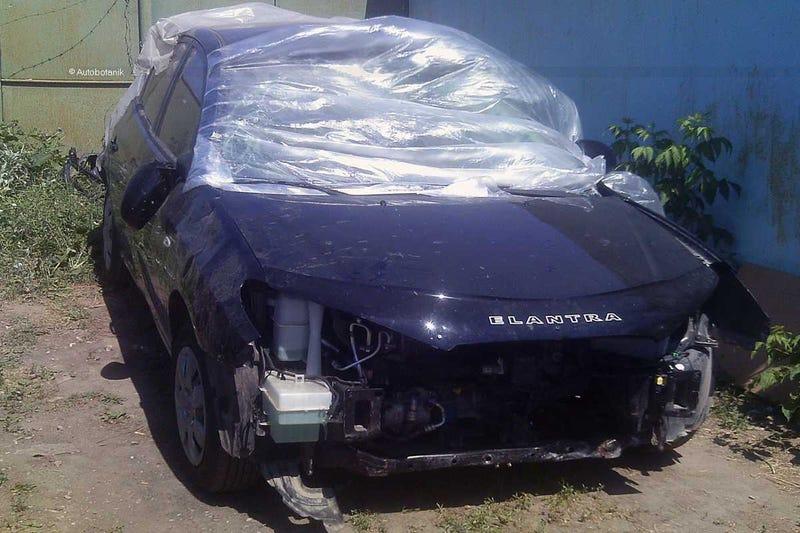 "Illustration for article titled Cut-N-Shut ""restoration"" of a Hyundai Elantra"