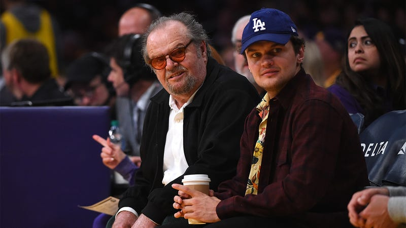 Illustration for article titled Honoring A Legend: After Sitting Courtside At Lakers Games For Over Four Decades, Jack Nicholson Is Now Allowed To Shower With The Team