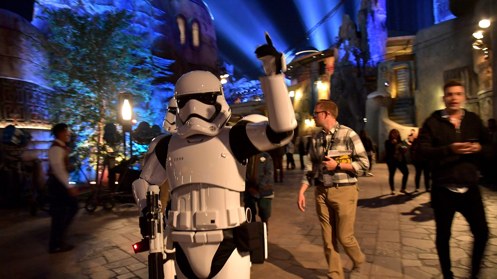 Star Wars fans are just straight up selling shit they stole from Galaxy's Edge