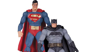 Illustration for article titled Even DC's Comic Book Figures Are Getting On The Batman v Superman Trend