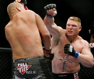 Illustration for article titled It Happened: Brock Lesnar Is Your New UFC Heavyweight Champion