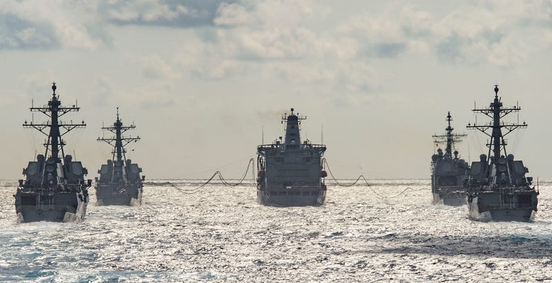 Illustration for article titled This Photo Shows One Of The Navy's Huge Floating Gas Stations In Action