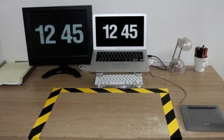 Illustration for article titled The KEEP CLEAR Desk