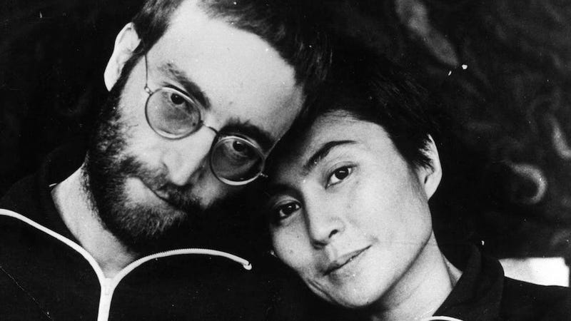 Illustration for article titled Yoko Ono: John Lennon Wanted to Sleep With Men