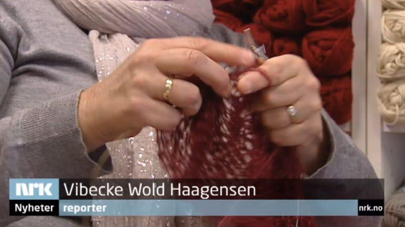 Knitting Needles Norwegian Air : Norwegian tv station to air five straight hours of