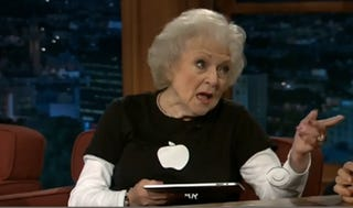Illustration for article titled Betty White Chats iPad With Craig Ferguson