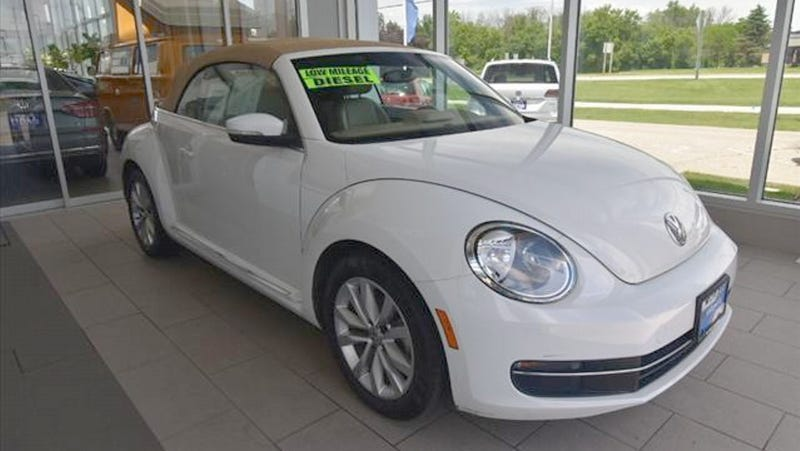 Illustration for article titled At $19,991, Could You Love This 2014 Diesel-Manual VW Bug?
