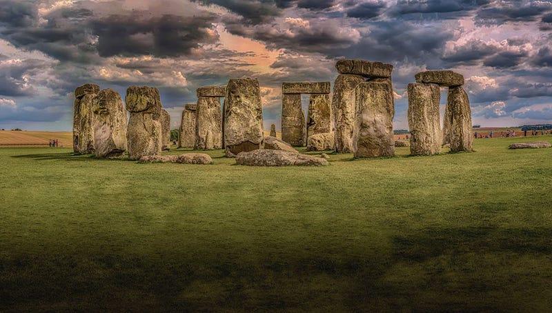 Illustration for article titled Ingenieros del gobierno perforan por error un yacimiento prehistórico de hace 6.000 años cercano a Stonehenge