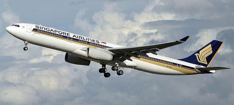 Illustration for article titled Un avión con 182 pasajeros vuela 25 mins sin un motor por fallo técnico