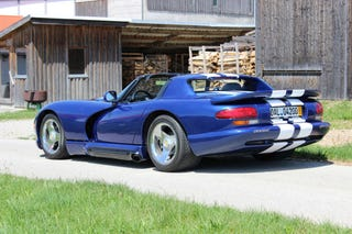 Illustration for article titled How To Import A Dodge Viper To Germany