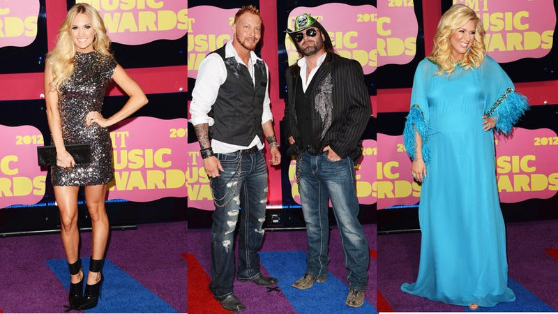 Illustration for article titled The Boots and Boobs of the CMT Music Awards