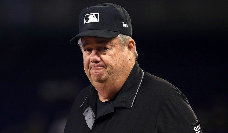 Illustration for article titled Joe West Was Being Persnickety About Cameras So Bob Brenly Owned Him