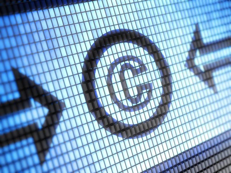 Illustration for article titled La nueva Ley de Propiedad Intelectual en España permitirá perseguir webs de enlaces
