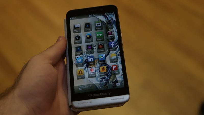 Illustration for article titled Blackberry Z30 Hands-On: BB10 Gets Hip to the Hugeness