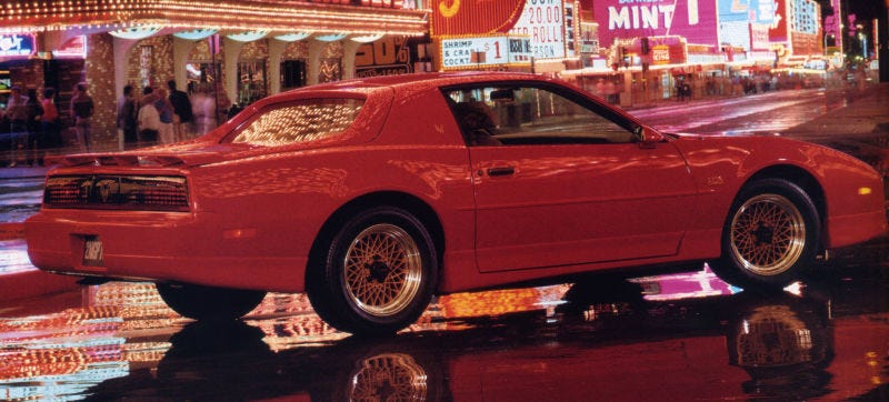 Illustration for article titled Raph Is Wrong About That Awesome Notchback Firebird