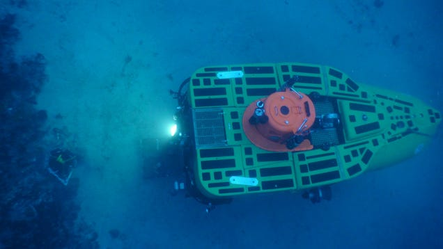 Pisces V submersible on the seafloor.
