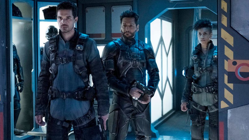 Holden (Steven Strait), Alex  (Cas Anvar), and Naomi (Dominique Tipper) take on some unexpected new passengers in The Expanse.