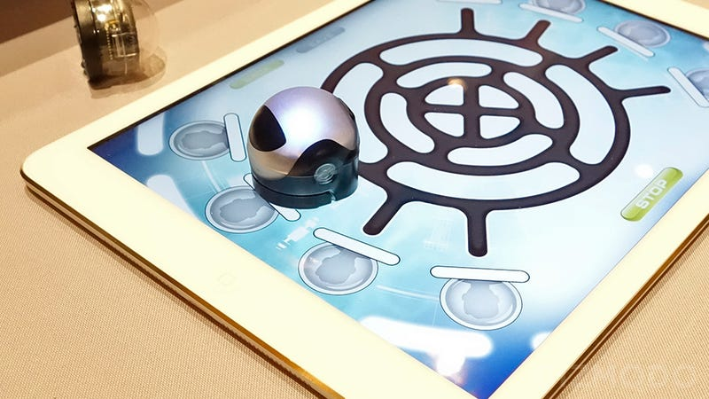 Illustration for article titled These Tiny Ozobots Are Slot Cars For the iPad Generation