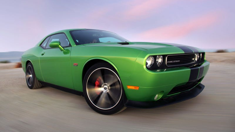 Illustration for article titled Envy this Dodge Challenger for its classic color