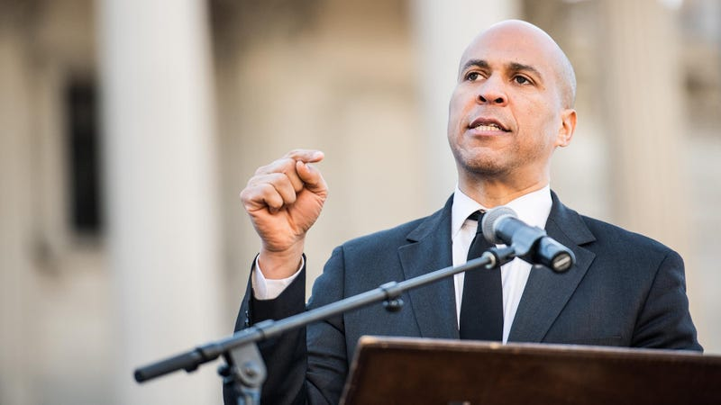Illustration for article titled Game Changer: Cory Booker Just Pledged That If He's Nominated He'll Pick A Running Mate That Could Be Played Hilariously By Kate McKinnon If Given The 2020 Presidential Nomination