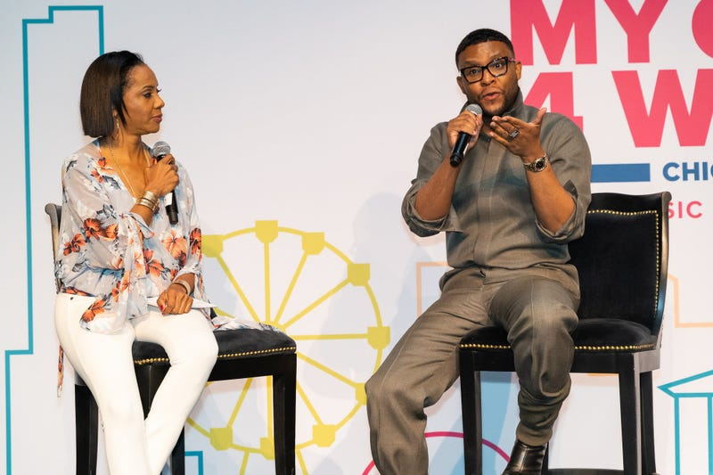 MC Lyte (l) and Law Roach
