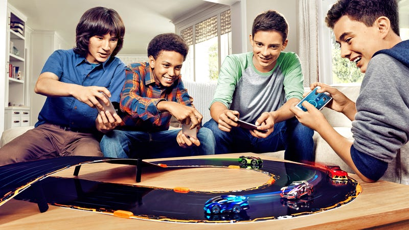 Illustration for article titled Anki Overdrive Introduces New Gameplay Options To Help Level the Playing Field