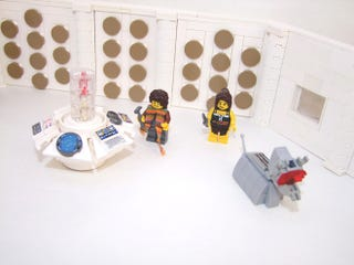 Illustration for article titled Everything is Awesome with a Classic Lego Doctor Who console room v2.0