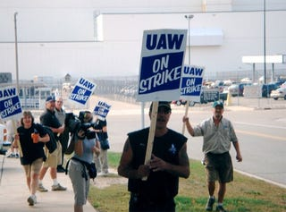 Illustration for article titled How Do You Feel About The UAW/GM Strike?