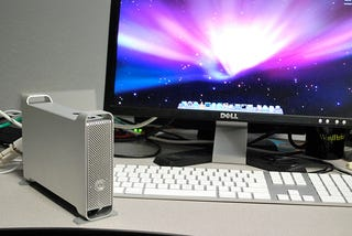 Illustration for article titled The DIY Mac Pro Mini: Turn that Broken MacBook into a Teeny Desktop