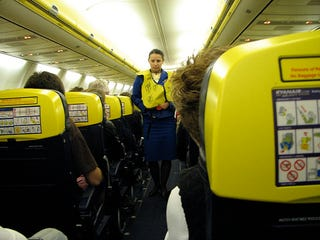 Illustration for article titled Europe's Ryanair to Push Passengers One Step Closer to the Edge with In-Flight Cellphone Service