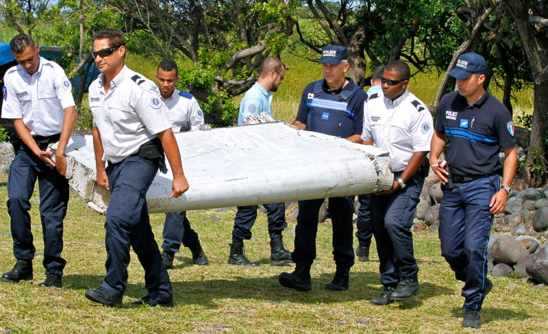 Illustration for article titled Confirmed: Flaperon Found OnRéunion Island From MH370