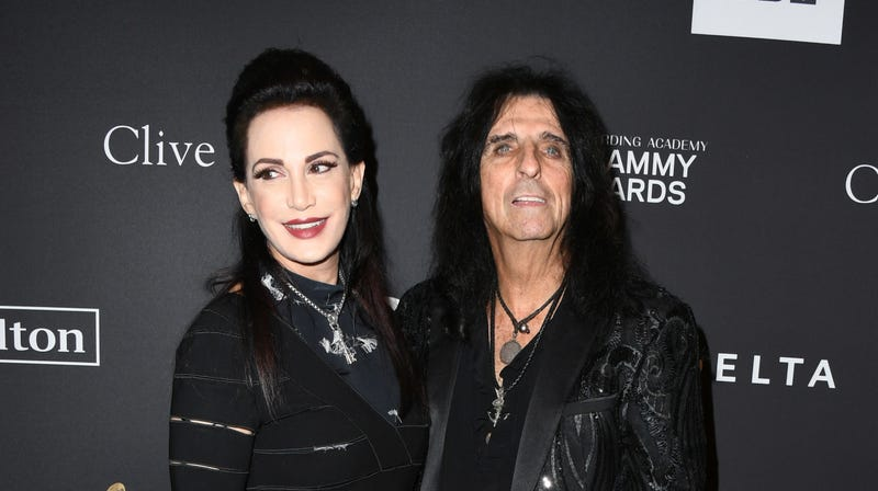 Illustration for article titled Alice Cooper and His Wife Have a Death Pact