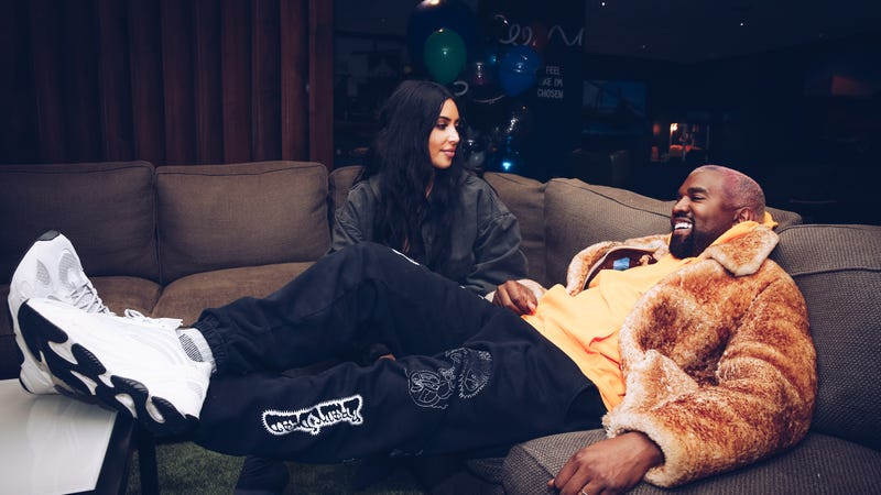 Illustration for article titled Kim Kardashian Is Making a Fourth Child Via Surrogate