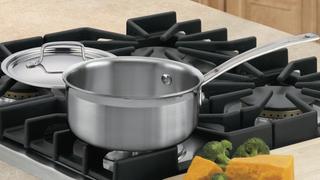 Olla Cuisinart de 1.5 cuartos y triple capa de acero | $18 | Amazon