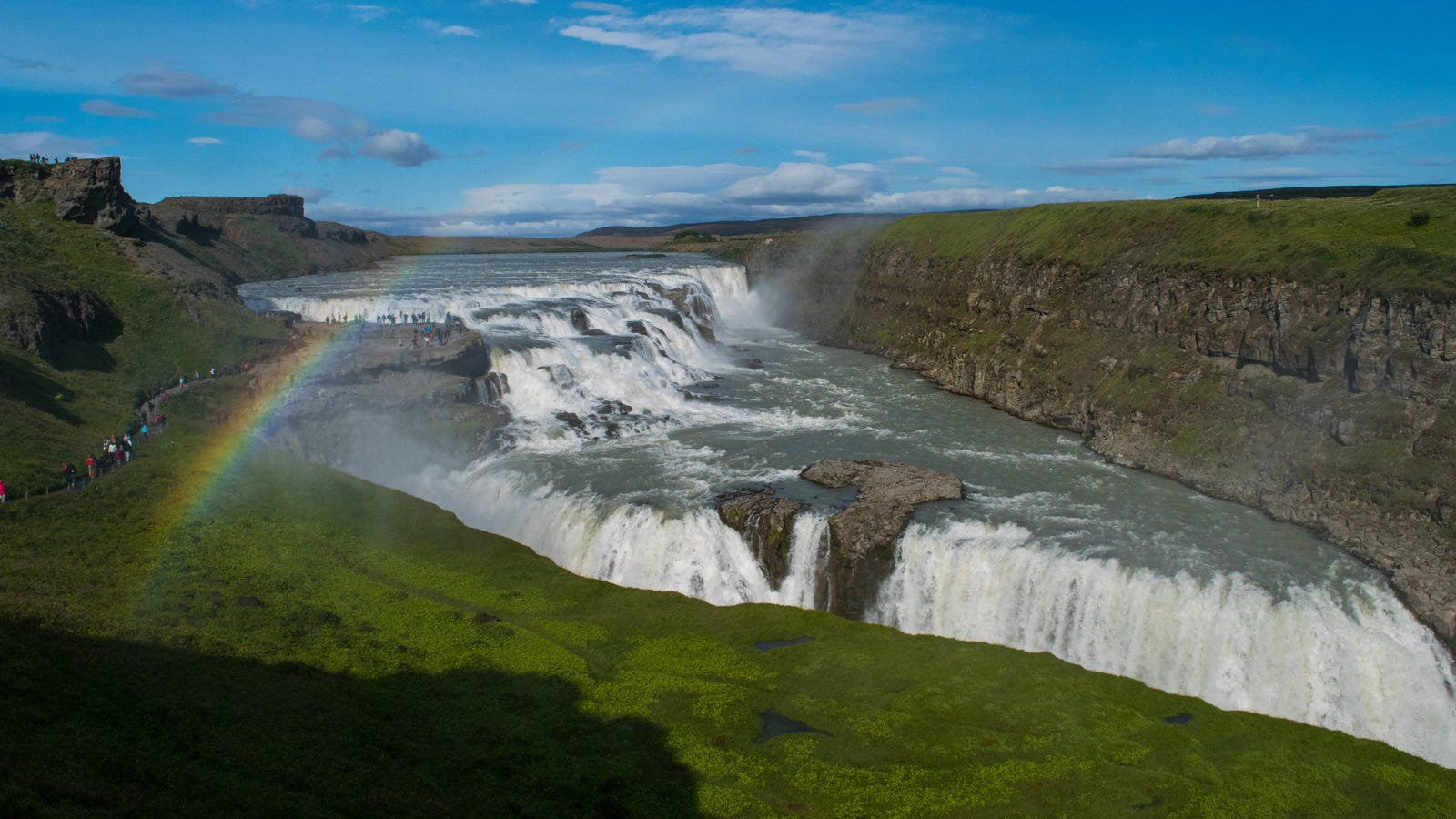 How To Road Trip Through Iceland Without Getting Hosed On Gas Or Missing The Good Hot Dogs