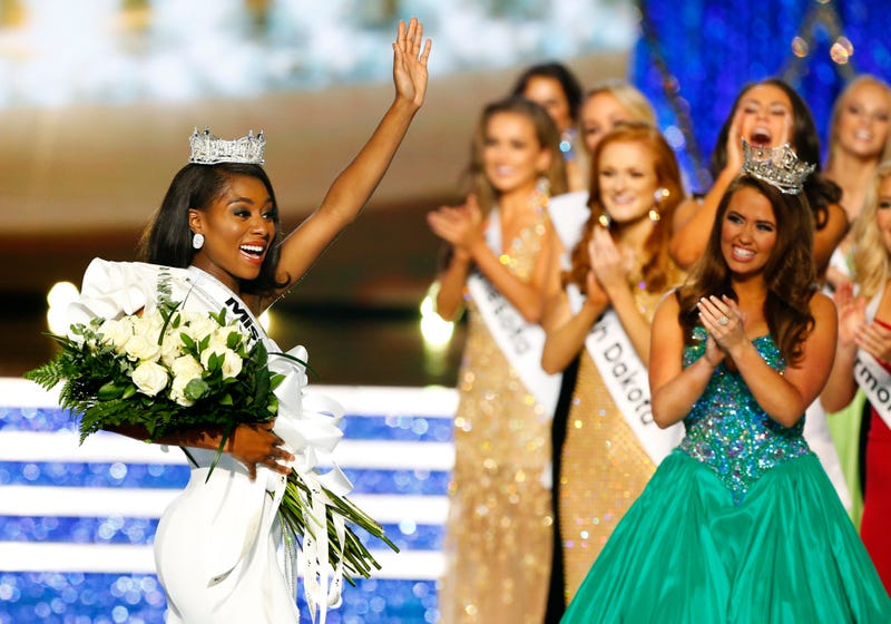 Illustration for article titled This Is (Miss) America: New Yorker Nia Franklin Takes the Crown in Revamped Beauty Pageant