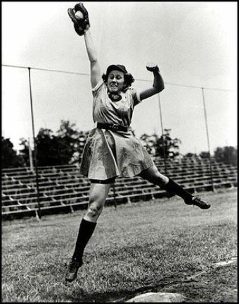Illustration for article titled Dorothy Kamenshek, Professional Baseball Player, Dies At 88