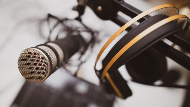 Everything You Need to Start Your Own Podcast on the Cheap