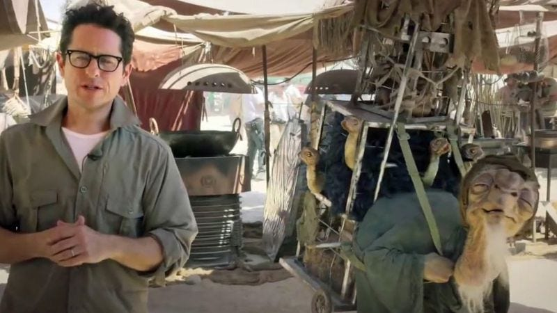 Illustration for article titled Leaked Star Wars set photos confirm film will have actual buildings, dirt